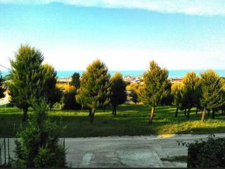Appartamento in villa a due minuti dalla spiaggia - Porto Potenza Picena vacation rentals