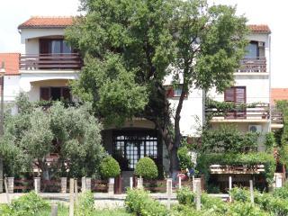 Sea to Sky - Apartement Mendula - Sv. Filip i Jakov vacation rentals