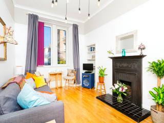 Parkside:Royal Mile 5 mins walk! FREE parking/Wifi - Edinburgh vacation rentals