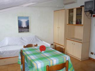 IMPERIA (n.14) - APPARTAMENTO A 100 MT. DAL MARE - Imperia vacation rentals