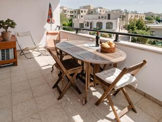 Beautiful holiday apartment with pool in the village of Kissonerga - Kissonerga vacation rentals