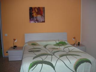 Nice 1 bedroom Condo in Bergamo with Internet Access - Bergamo vacation rentals