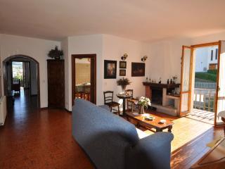 Bellissimo Appartamento Felina Castelnovo ne Monti - Felina vacation rentals