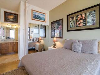 The Banyan 3804-Ocean View Penthouse Level Condo! - Honolulu vacation rentals