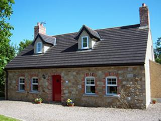 Bright 3 bedroom Magherafelt Cottage with Internet Access - Magherafelt vacation rentals