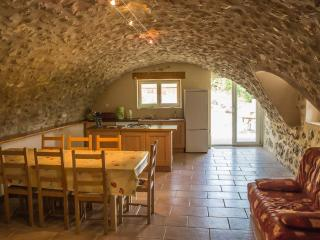 La Bergerie de Martial à Cornillac - Remuzat vacation rentals