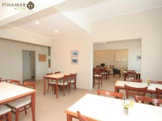Bright 1 bedroom Resort in Ostende with Housekeeping Included - Ostende vacation rentals