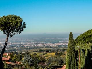 DOMUS MATIDIA, Vibia Sabinia appartamento in villa - Monte Porzio Catone vacation rentals