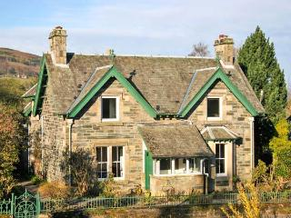 EDENGROVE, detached, woodburner, WiFi, off road parking, in Aberfeldy, Ref 939509 - Aberfeldy vacation rentals