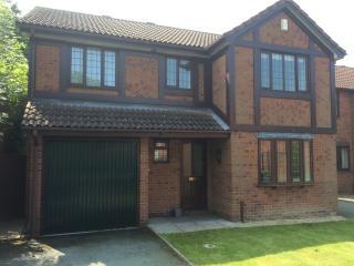 Kingfisher Shrewsbury - Modern Family Home - Shrewsbury vacation rentals