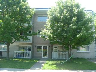 Fully equipped, apartment 110 m2, ,3 bedrooms - Longueuil vacation rentals