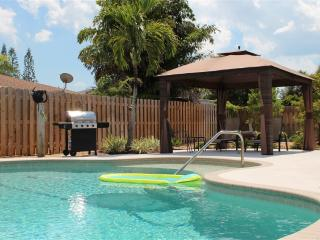 Pvt Pool Home Mins to Anna Maria Is & IMG Academy - Bradenton vacation rentals