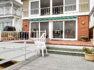 Newport Beach Luxurious Lido Isle Bay Front-Includes Use of Electric Boat! - Newport Beach vacation rentals