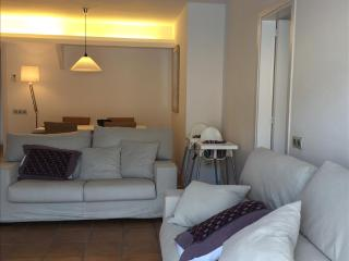 Bright Condo with Television and Satellite Or Cable TV in Cadaques - Cadaques vacation rentals