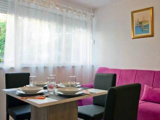 Apartment Mario - Split vacation rentals