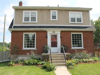 Beautiful four bedroom family home in Dundas - Dundas vacation rentals