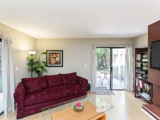 West La Beauty Near Beverly Hills & Ucla - Los Angeles vacation rentals