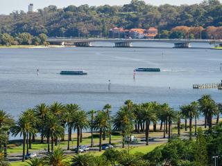 Nice 2 bedroom Perth Condo with Internet Access - Perth vacation rentals