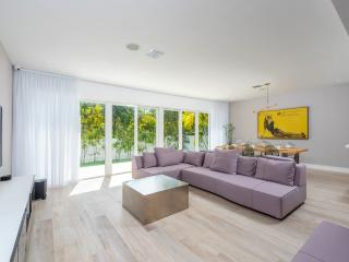 Beautiful 4 Bedroom Christa - Miami Beach vacation rentals