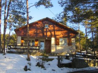2 bedroom Chalet with Washing Machine in Montclar - Montclar vacation rentals