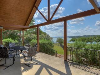 Canyon Lake Waterfront Paradise W/O Guesthouse - Canyon Lake vacation rentals