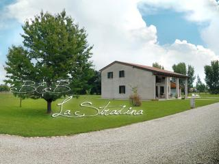 2 bedroom Bed and Breakfast with Internet Access in Piazzola sul Brenta - Piazzola sul Brenta vacation rentals