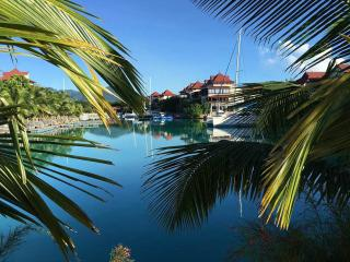 Luxurious 3 bedroom 3 bathroom apartment - Eden Island vacation rentals