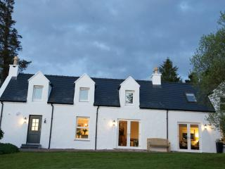 Bayview Croft Luxury Cottage with Stunning Views - Portree vacation rentals