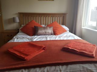 2 bedroom Apartment In whitchurch Cardiff - Cardiff vacation rentals