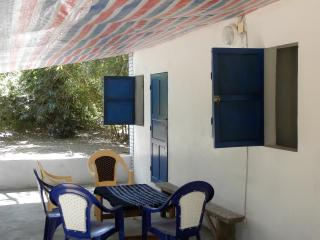 House with 2 bedrooms, shower, toilet, musquitonet, fahn and big veranda. - Abene vacation rentals