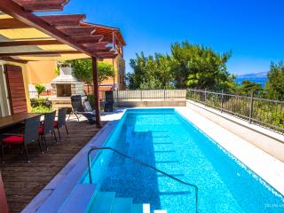 3 bedroom Villa with Internet Access in Splitska - Splitska vacation rentals