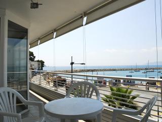 Charming 2 bedroom Apartment in L'Estartit with Washing Machine - L'Estartit vacation rentals