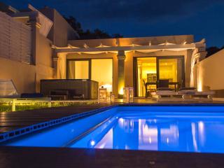 Design Villa, 2BR Private Pool & Jacuzzi, Sea View - Messonghi vacation rentals
