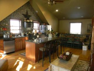 Spacious chalet. Hot tub , awsome view - Ellicottville vacation rentals