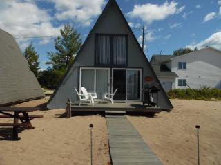 Board Walk Beach 3 - Boat House - Oscoda vacation rentals