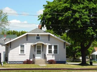 2 bedroom House with DVD Player in Tawas City - Tawas City vacation rentals