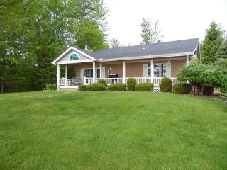 Bright 3 bedroom Greenbush House with Deck - Greenbush vacation rentals