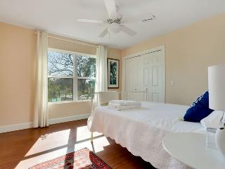 Savanna Sparrow - Queen. Shared bathroom /1 room - Dripping Springs vacation rentals