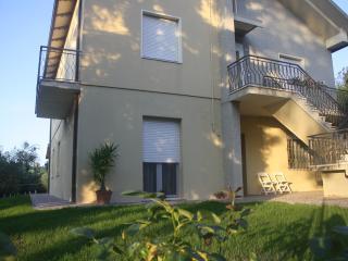 Tranquillità e relax a due passi dalla Riviera - Tavullia vacation rentals