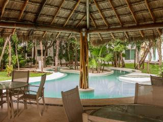 TWO STORY PENTHOUSE IN HOTEL ZONE CANCUN 8 GUESTS - Cancun vacation rentals