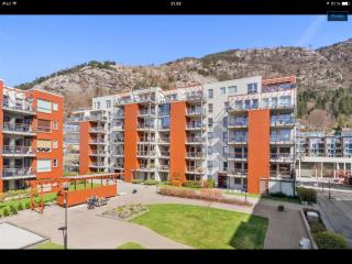 Sandviken Seaside Apartment near Bergen city center - Bergen vacation rentals