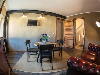 Morry's Lodge Guest House- Camera orange - Sora vacation rentals
