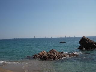 Très Beau, 100 Mètre Carré, Près de la plage - Cannes vacation rentals