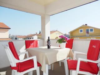 Lovely 2 bedroom Crikvenica Villa with Internet Access - Crikvenica vacation rentals