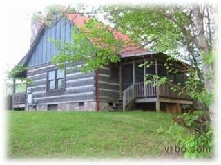 Sheila's Cozy Cabin -always $99, never fees! - Pigeon Forge vacation rentals