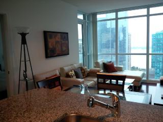 2 Bedroom + Den Downtown next to Union & Harbour - Toronto vacation rentals