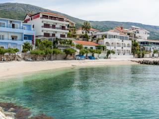 Th01667 Rooms Martin / Double Room S12 - Podstrana vacation rentals