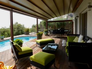 maison hauteur de bastia avec piscine et vue mer - Bastia vacation rentals