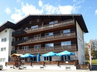 Big apartment between Neuschwanstein and Zugspitze - Heiterwang vacation rentals