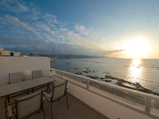 Beachfront Atico with sun terrace - Las Palmas de Gran Canaria vacation rentals